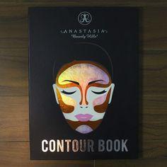 Anastasia of Beverly Hills Contour Book. Eye Makeup Tips, Makeup Goals, Glam Makeup, Beauty Makeup, Makeup Ideas, Makeup Products, Beauty Products, Anastasia Beverly Hills Lipstick, Anastasia Contour