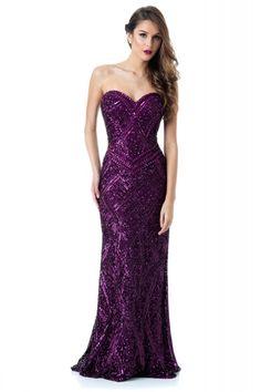 fdf378d145 Vestido Fancy Purple - Vestido longo roxo tomara que caia bordado em toda  sua extensão.