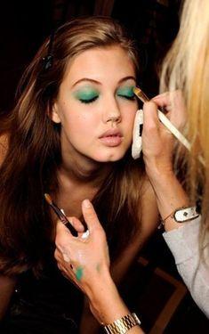 super ideas for nails green color eye shadows 42 super ideas for nails green color eye super ideas for nails green color eye shadows Blue Nails, White Nails, Glitter Nails, Gold Lipstick, Purple Eye Makeup, Super Nails, Almond Nails, Green Colors, Eye Shadows