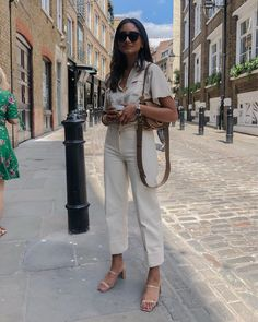 January 31 2020 at fashion-inspo Summer Dress Outfits, Casual Work Outfits, Basic Outfits, Cute Outfits, Quirky Fashion, Timeless Fashion, Korean Fashion, Parisian Chic Style, Casual Chique