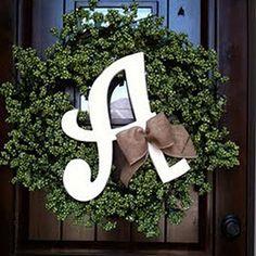 Podremos personalizarlo con la inicial de la familia en la puerta... una monada