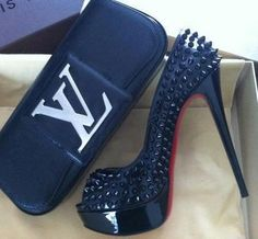 Black Shoes With Studs And Black Pochette Louis Vuitton Pochette Louis Vuitton, Louis Vuitton Shoes, Louis Vuitton Handbags, Lv Handbags, Handbags Online, Hot Shoes, Shoes Heels, High Heels, Sexy Heels