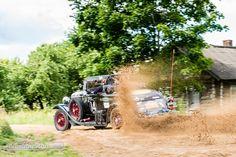Der Sand stäubte an der Rallye Peking-Paris 2016 © Garard Brown #RallyePekingParis #Rallye #PekingParis #Paking #Paris #2016 #zwischengas #classiccar #classiccars #oldtimer #oldtimers #auto #car #cars #vintage #retro #classic #fahrzeug
