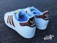 Superieure kwaliteit - Adidas op maat geschilderd bloemenmotief de hand, unisex maten, Adidas supers