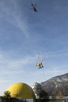 Fliegende Dinos im Berner Oberland. Swiss Helicopter