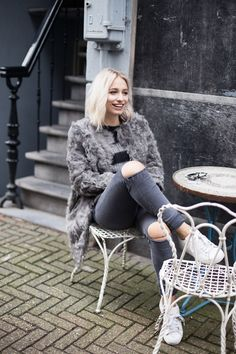 Chapter Friday - ripped jeans, grey, jumper, Adidas sneakers, Zara coat