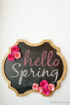This is an insane DIY crafts idea for Spring time or easter. A fab craft tutorial: DIY Chalkboard Project with DIY faux flowers! Not to mention that it creates gorgeous home decor! 10 Joyful Spring DIY Projects For The Home Happy Spring, Hello Spring, Spring Break, Photomontage, Diy Chalkboard Paint, Chalkboard Ideas, Rolled Paper Flowers, Faux Flowers, Spring Sign
