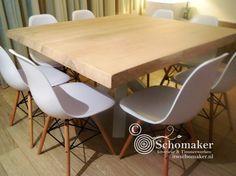 Eettafel: Vierkante Boomstamtafel met 3d kruispoot - Interieur & Timmerwerken Schomaker