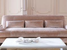 Velvet sofa in soft blush tone. The new Jean-Louis Deniot collection for Baker Furniture. Velvet Furniture, Baker Furniture, Sofa Furniture, Furniture Design, Velour Sofa, Pink Velvet Sofa, Jean Louis Deniot, Canapé Design, Interior Design