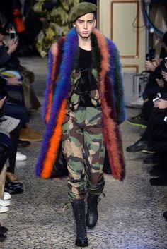 Moschino Autumn/Winter 2017 Menswear Collection | British Vogue