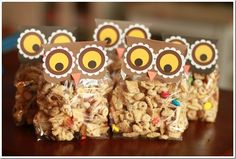 Super cute owl treats!! i would love to do this with granola maybe (i prefer healthy treats in the classroom to those artificially sugary ones)