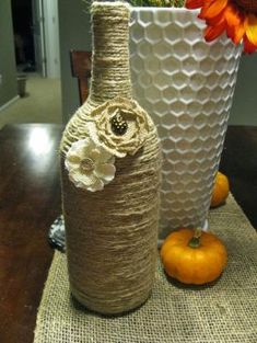 Jute wrapped wine bottles by Cariocaplus
