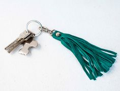 Leather Keychain / Fringe Keychain / Tassel Keychain / by morelle Leather Tassel Keychain, You Bag, Tassels, Jewelry Accessories, Handmade Jewelry, Buy And Sell, Personalized Items, Bags, Stuff To Buy