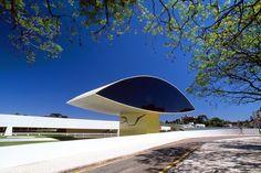 Museu Oscar Niemeyer (MON) (Curitiba, 2002) / Oscar Niemeyer