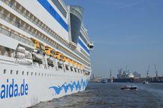 Vielleicht nicht mehr ganz ein Hamburg Insider Tipp sind die günstigen Hafenrundfahrten mit den öffentlichen HVV-Fähren.