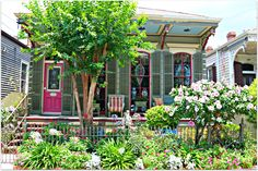 New Orleans Neighborhoods. Check out Real Estate in New Orleans and surrounding areas. Looking for a home, condo, or townhome you have reached the right place to search. New Orleans Homes, Historic Homes, Townhouse, Bloom, Yard, Outdoor Structures, City, Modern, Plants