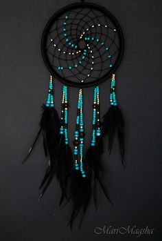 Stunning Dream Catcher Ideas to get only Pleasant Dreams Dream Catchers are Widely Used as Home Decor.Here are Some Handpicked Dream Catcher Ideas to Protect You from Bad Dreams,Nightmares,Negativity Los Dreamcatchers, Dream Catcher Decor, Making Dream Catchers, Dream Catcher Bedroom, Dream Catcher Patterns, Blue Dream Catcher, Dream Catcher Mobile, Dream Catcher Tutorial, Beautiful Dream Catchers