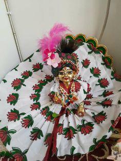 Laddu Gopal, Wreaths, Halloween, Fan, Club, Home Decor, Decoration Home, Door Wreaths, Room Decor
