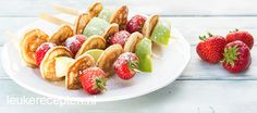 Celebrate the spring! Dutch Desserts, Triple Chocolate Cookies, Fingerfood Party, Tasty Pancakes, Party Finger Foods, High Tea, Food Inspiration, Kids Meals, Sweet Recipes