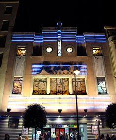 """""""¿QUÉ FUE DE LOS CINES ROXY?"""" Calle María de Molina, Valladolid (Spain).   Fachada y estructura Art Decó, inaugurado en 1936."""