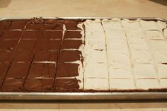 Recipe For Chocolate Brownies – Cooking For A Crowd - Half Sheet pan - - Makes 60 pieces. Chocolate Brownies, Chocolate Desserts, Dessert Bars, Dessert Recipes, Dessert Catering, Cooking For A Group, Best Party Food, Cooking Recipes, Crowd Recipes
