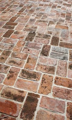 59 Cool Rock,Concrete & Brick Patio Ideas to Realize Now - Architecture Lab 59 Cool Rock,Concrete & Brick Paver Patio, Brick Pathway, Brick Paving, Concrete Bricks, Concrete Patio, Brick Courtyard, Small Brick Patio, Patio Stone, Brick Garden
