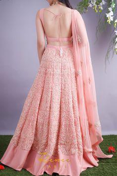 Blush Pink Lehenga & Choli Set - Source by - Mehendi Outfits, Indian Bridal Outfits, Indian Bridal Fashion, Indian Designer Outfits, Designer Bridal Lehenga, Bridal Lehenga Choli, Pink Lehenga, Party Wear Lehenga, Pakistani Bridal