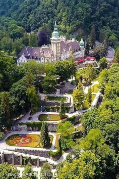 Beautiful Castles, Beautiful Places, Travel Around The World, Around The Worlds, Central Europe, Budapest Hungary, Water Features, Where To Go, Places To See