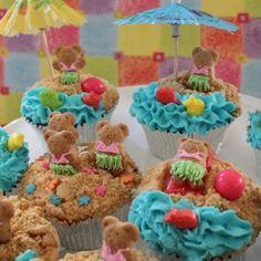Hula Bear Cupcakes! I really think my head is going to explode from the cuteness!