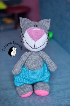 Crochet PATTERN Cat with a big nose 35 см