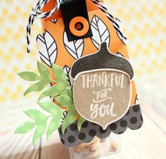 Autumn treat box by Lisa Henke. Reverse Confetti stamp set: Happy Harvest. Confetti Cuts: Happy Harvest, Thanks Tag, Hang Ups, Treat Tube Topper and Wheat. Other: Fright Night 6x6 pad; Tangerine  and Cloud White RC Cardstock. DIY Fall party favor. Thanksgiving table favor.