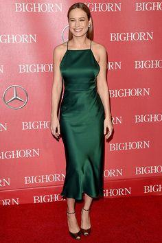 Вечерние платья в бельевом стиле: фото Дакоты Джонсон и других звезд в платьях-комбинациях | Vogue | Мода | Тенденции | VOGUE