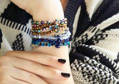 sparkle strands bracelets X Its not hard to tell why these bracelets ranked at the top of my...10 bracelet tutorials