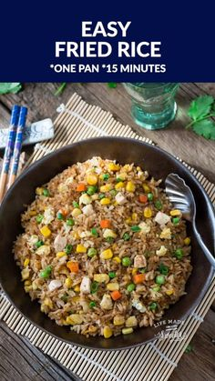 Easy fried rice perfect to curb that chinese restaurant takeout craving super easy recipe to make at home in 15 minutes on the stove plus just a few secret ingredients and tips to make it better than the local takeout restaurant beef wellington Easy Chinese Recipes, Easy Rice Recipes, Asian Recipes, Healthy Dinner Recipes, Vegetarian Recipes, Cooking Recipes, Vegetarian Fried Rice, Vegetable Fried Rice, Chinese Restaurant