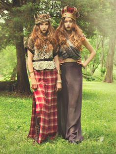 Our fantasy fall fashion shoot has us seeing double! Fashion Shoot, Runway Fashion, Fall Fashion Trends, Autumn Fashion, Girls Life Magazine, Couture Looks, Cover Style, Covergirl, Vintage Fashion