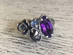 Tamaño 9.5 - anillo racimo Floral - OOAK de charlotteburkhart en Etsy https://www.etsy.com/es/listing/480834892/tamano-95-anillo-racimo-floral-ooak