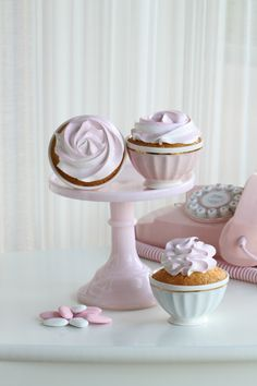 "Passion 4 baking ""White Cupcakes with a touch of pink (Vanilla cupcake, custard filling, Angel Feather icing)"