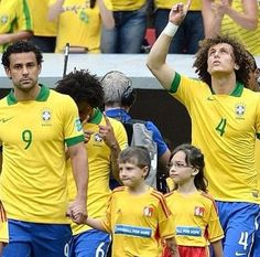 Brazil National Football Team Fred and David Luiz Brazil Team, Brazil Brazil, National Football Teams, Football Soccer, Good Soccer Players, Best Player, World Cup, Sports, Culture