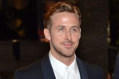 Hey Girl! Now You Can Finally Take That Selfie With Ryan Gosling…