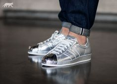 On foot look at the Adidas Superstar 80s Metallic Silver