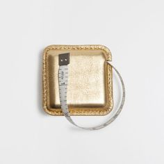 Image of the product GOLD LEATHER MEASURING TAPE