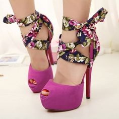 Purple Floral Ankle Wrap Heels Can Wear in Three Ways I love purple heels. Pretty Shoes, Cute Shoes, Me Too Shoes, Dream Shoes, Crazy Shoes, Pastel Shoes, Pink Shoes, Shoes Uk, Shoes Sandals