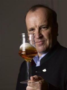 Zu Gast beim #Biersommelier Karl #Schiffner in #Aigen-#Schlaegl. White Wine, Alcoholic Drinks, Food, Fine Dining, Beer, Viajes, Essen, White Wines, Liquor Drinks