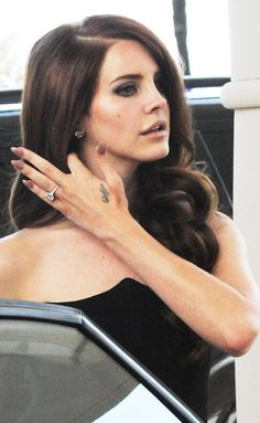 Lana Del Rey ♥ oh my I want her hair