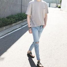 Teen Guy Fashion, Korean Fashion Men, Fashion Couple, Korean Street Fashion, Ulzzang Fashion, Korean Outfits, Trendy Outfits, Fashion Outfits, Fashion Styles