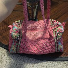 Vera Bradley Tote Large Vera Bradley tote with side pocket for phone and keys!  Only signs on use are on handles in third picture. Vera Bradley Bags Totes