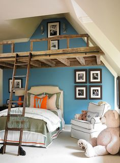 Diy superhero toddler loft bed cubby stairs i built for Rooms to go kids atlanta