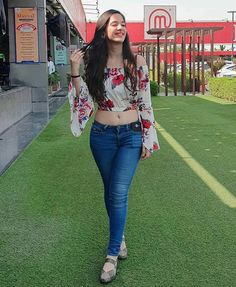 Indian Designer Outfits, Jean Top, Sporty Outfits, Profile, Stylish, Lady, Jeans, Girls, Cute