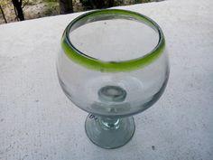 Copa bola de vidrio soplado grande. Más info en: www.artesaniasdetonala.com