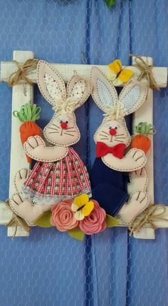 This Pin was discovered by Mar Easter Crafts, Felt Crafts, Holiday Crafts, Diy And Crafts, Arts And Crafts, Sewing Crafts, Sewing Projects, Rabbit Crafts, Felt Patterns